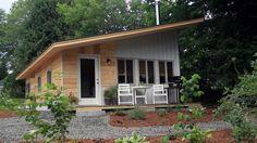 Cette petite maison se trouve dans le Vermont et a une surface de 45,8 m² ce qui ne lui empêche pas d'être complète avec une cuisine aménagée, deux chambr