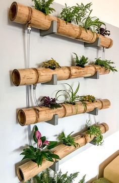 Bamboo Decor – Trend Decor for You! Bamboo Planter, Bamboo Art, Bamboo Crafts, Tall Indoor Plants, Faux Plants, Vertical Garden Design, Herb Garden Design, Bamboo Room Divider, Bamboo Design