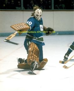 Vintage Goalie Mask Discussion Page :: Vintage Mask Gallery! :: Ed Dyck replica (Vancouver Canucks) Hockey Goalie, Hockey Games, Ice Hockey, San Jose Sharks, Vancouver Canucks, Nhl, Goalie Mask, Wayne Gretzky, National Hockey League