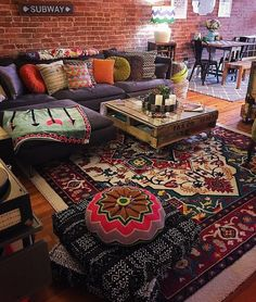Unusual Article Uncovers the Deceptive Practices of Modern Design Bohemian Living Room - casitaandmanor Bohemian House, Bohemian Living, Boho Living Room, Bohemian Decor, Living Room Decor, Bohemian Style, Boho Chic, Moroccan Decor Living Room, Gypsy Style