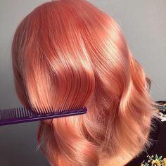 Stunning Glossy Peach Hair Looks for Medium Length Hair in 2019 Coral Hair Color, Peach Hair Colors, Hair Color Shades, Pink Hair, Blonde Color, Medium Hair Styles, Curly Hair Styles, Pelo Multicolor, Hair Color Highlights