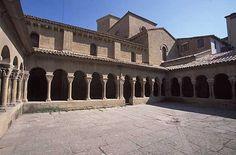 Los claustros de la iglesia de San Pedro