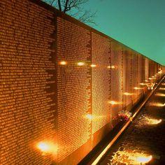 Vietnam Veterans Memorial open on November 13 1982.