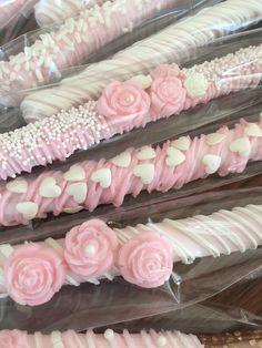 It's a Girl Pink Chocolate Covered Pretzel Bars Dozen) / Baby Shower / Girl Shower / Baby Shower Favors / - Wedding White Chocolate Covered Pretzels, Chocolate Covered Pretzel Rods, Chocolate Covered Strawberries, Dipped Pretzels, Pretzel Treats, Chocolate Dipped, Pretzel Sticks, Pink Chocolate, Chocolate Cupcakes