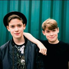 #QUIZ: Max and Harvey  #maxandharvey