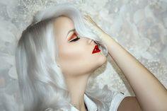 Der Night Moisturizer pflegt die Mischhaut richtig, spendet Feuchtigkeit und verbessert das Hautbild im Schlaf. Erhalten Sie bei Ihrer Erstbestellung € 10,-Rabatt und sparen Sie darüber hinaus bis Ende Juli 2020 bis zu 30%! Bestellen Sie über diesen Link! Pure Oils, Flower Nails, Perfume Oils, Combination Skin, Vegan Friendly, Amazing Women, Fragrance, Pure Products, Hair Styles
