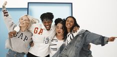 Il trapper americano Metro Boomin racconta il suo lavoro con GAP «Archive Reissue: Logo Remix» e ci svela il suo remix di magliette, felpe e maglie da rugby Metro Boomin, Personal Portfolio, Rugby, Gap, Jackets, Fashion, Down Jackets, Moda, La Mode