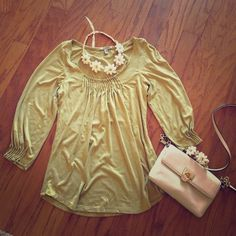 Boho Style Top🌼 A cross between green/yellowish in color . Super comfortable and 3/4 sleeve. Works well with cream or white. It's an extra small but can also fit a small. Bordeaux Tops Blouses