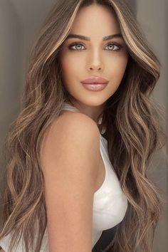 Brunette Woman, Brunette Beauty, Brunette Hair, Hair Beauty, Brown Blonde Hair, Brunette Blonde Highlights, Belle Silhouette, Hair Color Balayage, Blonde Balayage