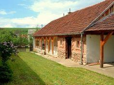 Ferienhaus Ungarn, Annamária in Ziliz.  Ferienhaus Annamária in Nordost Ungarn ist eine im antiken Stil renovierten Bauernhaus. Das Ferienhaus befindet sich im idyllischen Dorf Ziliz.  Sie wohnen am Rande des grünen, mit Vogel- und Naturgeräusche, wie das Bükk Park und den Zemplén Berge. Weinliebhaber sind in Ort mit Tokaj und Eger in der Nähe.  http://www.ferienhauserinungarn.de/ferienhauser-ungarn-angebote/Ferienhaus_ungarn_annamaria_ziliz_172/