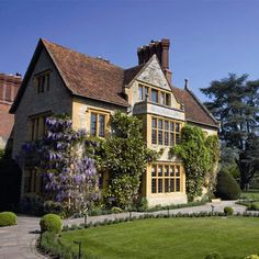 Le Manoir aux Quat'Saisons - Manor House Exterior - Raymond Blanc's Michelin two star restaurant, Oxon.