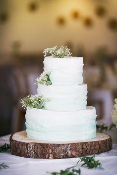 Wedding cake, rustic, baby's breath