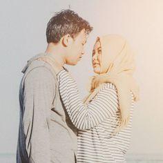your lips belong pressed againts mine. #roamtheplanet #travelphotography #visualoflife #beachlife #dametraveler #artofvisuals #islandhopping #flashesofdelight #thecreative #ig_masterpiece #beachvibes #mytinyatlas  #engagement #ido #weddingphotographer #weddinggown #engaged #theknot #weddinginspiration #engagementring #bridesmaid #weddinginspo #bridesmaids  #sonyimages #sonyalpha #sonyalphasclub #sonyphotogallery #sonyphotography #focalmarked