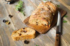 Brot mit Oliven und getrockneten Tomaten   Simply Yummy
