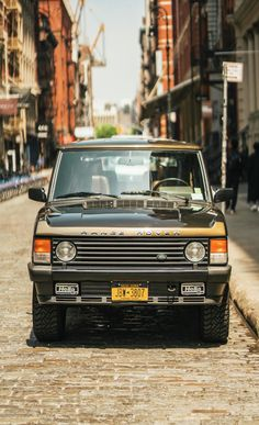 Bid for the chance to own a 1993 Land Rover Range Rover County LWB at auction with Bring a Trailer, the home of the best vintage and classic cars online. Range Rover Classic, 4x4, Interior Window Trim, All Terrain Tyres, Cars Land, Classic Cars Online, Car Wallpapers, Car Photography, Classic Trucks