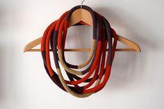 colar circular, via Flickr.