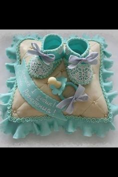 #Baby #Pillow #Cake with #Lacy baby