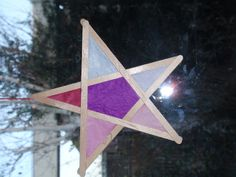 star made of coffee sticks and transparant paper Christmas grade 5