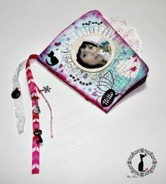 Tutorial paso a paso de un álbum en forma de taza de café (diseño de páginas de la artista W. Fusternberg). Paso a paso, explicado aquí: http://cinderellatmidnight.com/2014/02/10/coooomoooo-que-ya-somos-mas-de-6-000-en-facebook-comienza-la-semana-fantastica-de-tutoriales-cinderella/