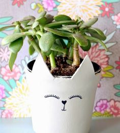 My Grandma would love these adorable cat clay pots. Making them for sure! Cute clay crafts ideas for around the home, jewellery etc.