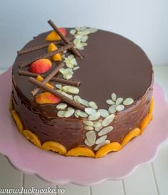 Tort Sacher reinterpretat - Lucky Cake Mousse, Cake Decorating Videos, Food Cakes, Marsala, Cake Recipes, Gem, Food And Drink, Cake Ideas, Gardening