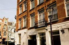 Inner hotel in Amsterdam. Take a look at this hotel if you have a small budget, find out if there are still any available rooms. Budget Hotels, Hostel, Amsterdam, Budgeting, Multi Story Building, Europe
