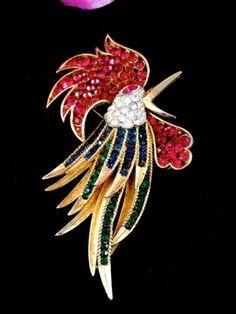 1964-CROWN-TRIFARI-GOLD-TRIFARIUM-RHINESTONE-FIREBIRD-ROOSTER-BROOCH-EARRING-SET