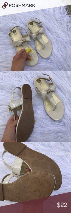 VINCE CAMUTO SZ 4 BEAUTIFUL GIRLS SANDALS SHOES Super cute girls sandals Vince Camuto Shoes