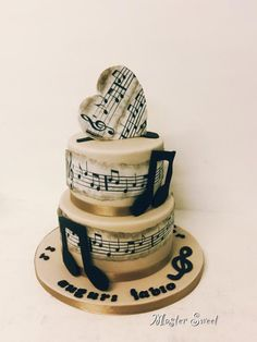 Music Cake by Donatella Bussacchetti Pretty Cakes, Cute Cakes, Beautiful Cakes, Amazing Cakes, Music Themed Cakes, Music Cakes, Bolo Musical, Dance Cakes, Heart Cakes