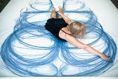 """""""Emptied Gestures"""", un projet de l'artiste américaineHeather Hansen, qui se penche sur le corps et le mouvement à travers une expérience de dessin cinétiq"""