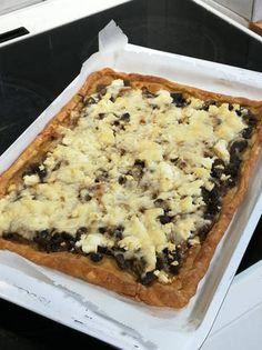 Πίτα με μανιτάρια Macaroni And Cheese, Ethnic Recipes, Desserts, Food, Mac Cheese, Postres, Deserts, Mac And Cheese, Hoods
