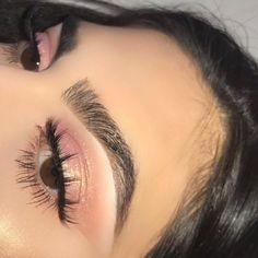 #EyeLashesHowToApply Matte Makeup, Pink Makeup, Glam Makeup, Eyeshadow Makeup, Makeup Tips, Makeup Ideas, Pink Eyeliner, Neutral Makeup, Makeup Hacks