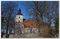 Feldsteinkirche im malerischen Dörfchen Benz