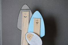 Nativity Popsicle Stick Puppets - for Preschoolers! Use with Christmas Shop of Wonders to help kids recognize the characters in the Christmas story!