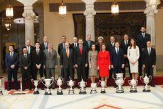 Los Reyes Felipe VI y Letizia junto a los Reyes Juan Carlos y Sofía entregan los Premios Nacionales del Deporte en el Palacio Real del Pardo. 23-01-2017