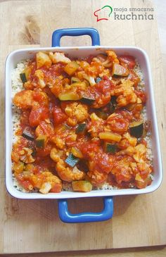 Kalafior z cukinią w pomidorach z oregano i chilli z cayenne na kuskusie www. I Love Food, Good Food, Lunches And Dinners, Macaroni And Cheese, Food And Drink, Vegetarian, Healthy Recipes, Healthy Food, Vegan