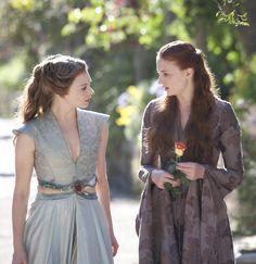 Natalie Dormer and Sophie Turner in Game of Thrones