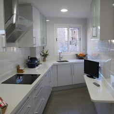C mo decorar cocinas alargadas cocina estrecha cocinas - Cocinas largas y estrechas ...