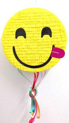 Making Pinata: A sweet surprise for your child's birthday Emoji Pinata, Unicorn Pinata, Como Fazer Pinata, How To Make Pinata, Paper Mesh, Birthday Pinata, Diy And Crafts, Arts And Crafts, Diy Party