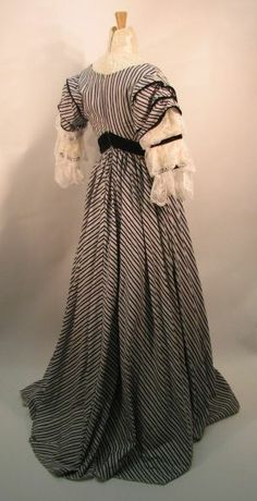 Back view of the afternoon dress, showing the sloped belt and shirred train. The original of this dress is in the Museum of Costume in London, UK.