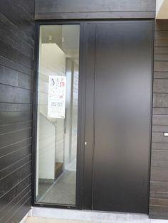 Baeten-Vanes - deur met raam naast