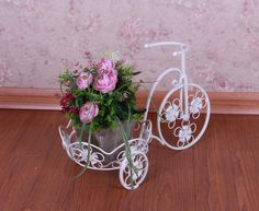 artesanos en hierro forjado - Buscar con Google Flower Cart, Diy Projects, Armchairs, Biking, Bouquets, Plants, German, Gifts, Gardens