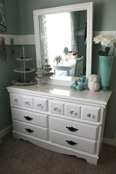 dresser top organization...love the jewelry in tiered dishes (put favs/most worn in top dish)