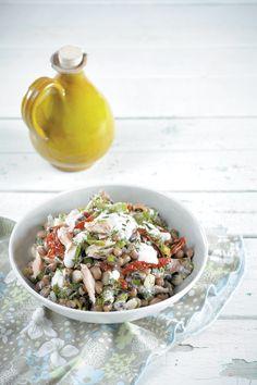 salata me mavromatika fasolia k pestrofa Salad Bar, Pasta Salad, Potato Salad, Salads, Potatoes, Ethnic Recipes, Cooking, Food, Crab Pasta Salad