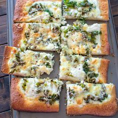 Creamy, cheesy, filling and tasty - this Kale and Ricotta Pizza recipe makes a perfect weeknight meal!