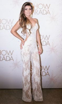 Paula Fernandes participou do segundo dia de gravações do Show da Virada, que será exibido pela TV na noite do dia 31 de dezembro