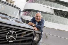"""Un giro del mondo da record con Mercedes Classe G """"Otto"""". 26 anni in giro attraverso 215 paesi per un totale di 900'000km http://www.mercedesbenzclub.it/blog/2014/11/nellanniversario-dei-35-anni-di-classe-g-arrivano-il-record-mondiale-di-otto-e-la-edition-35/"""