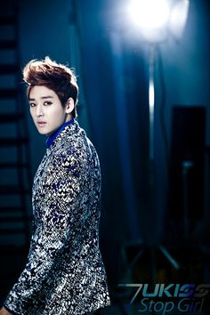 U-KISS reveals Soohyun & Kevin's teaser images for 'STOP GIRL'