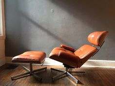Hey, I found this really awesome Etsy listing at https://www.etsy.com/listing/242075035/eames-lounge-chair-and-ottoman-italian