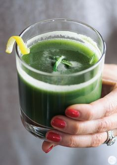 green goddess juice ( UPDATE!! I just made this and it's frickin' delish!! ~left out the mint though!)